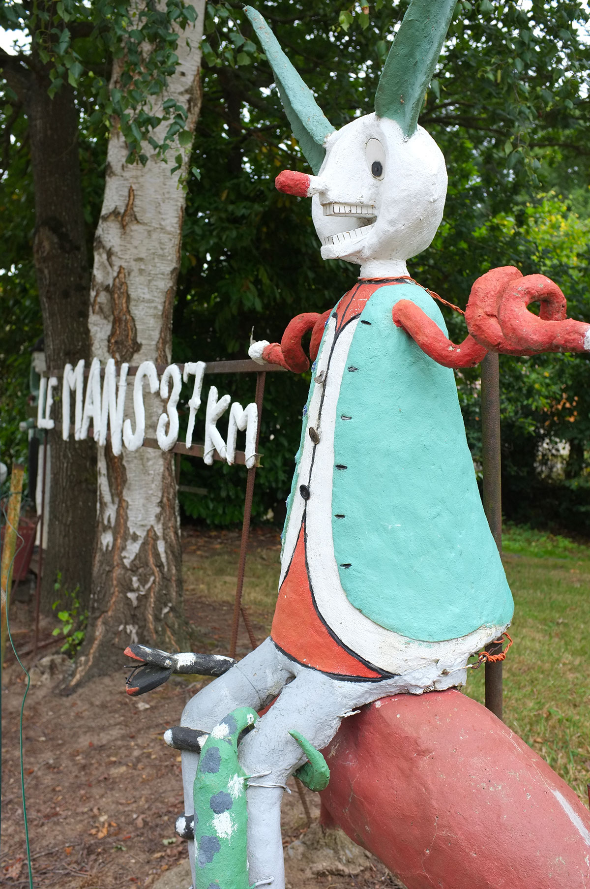 Clown provenant du jardin d'art brut de Fyé